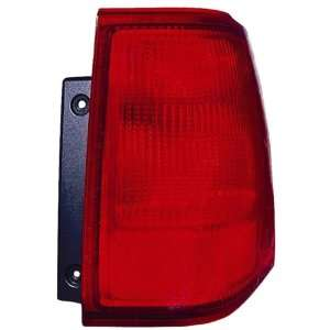 2003 2006 Lincoln Navigator Tail Light   Passenger Side (Outer) (2004